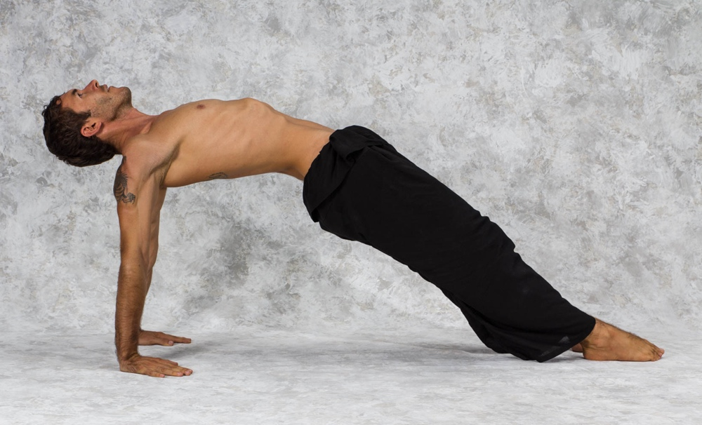 guest post 5 yoga poses for a strong back � mystic yogini